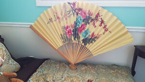 Stunning Vintage Hand Painted Bamboo Japanese Oriental Wall Fan