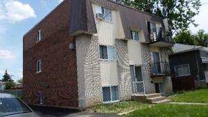 Longueuil appartement t 3 1/2  à Louer     pour 1er Juillet