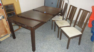 Table with 2 Leaves and 4 Chairs