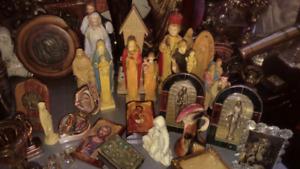 Vintage meuble- horloge- figurine- accessoire religieux
