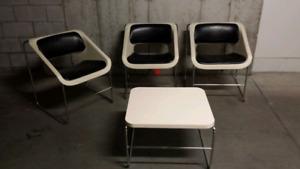 Chaises et table basse modèle Lotus, marque Artopex