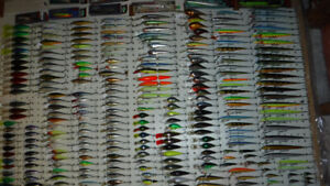 NEW AND USED  LURES = CRANKBAITS = MOST BRANDS = MOST ARE NEW