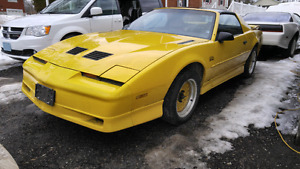 1988 Pontiac Firebird Trans Am GTA 5.0L T-top Auto