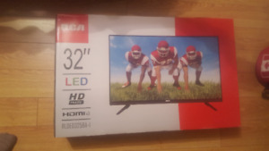 "AWESOME DEAL!! BRAND NEW 32"" RCA LED  TV"