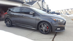 2015 Ford Focus ST **Low KMs**