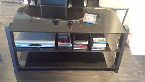 TV Stand / Meuble pour Television