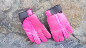 Size 5 youth soccer goalkeeper gloves