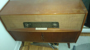 Radio and record player for sale