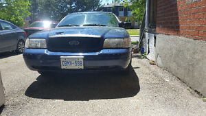 2003 Ford Crown Victoria Sedan police cruiser