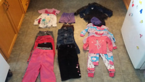 Lot of girls clothes 3T