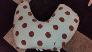 Breastfeeding/Nursing pillow
