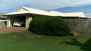 Share house. 1 or 2 Bedrooms + your own bathroom, toilet & garage Bargara Bundaberg City Preview