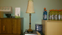 Lampe acheté chez Bombay 20 1/2''hauteur 20$ 514-865-6020
