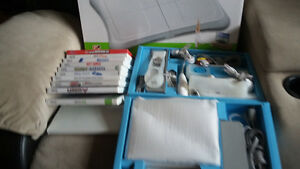 Wii Sports + Wii Fit + 3 controllers with boxes