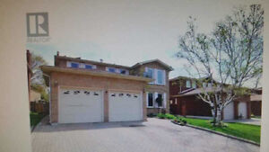 4 bed room single house in Markham ( finish BSMT)