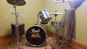 Pearl Export Series 4 piece Drum Kit w/Cymbals for Sale!