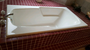 60 inch drop-in soaker tub WHITE