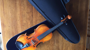 3/4 etude violin plus case, barely used and in perfect condition