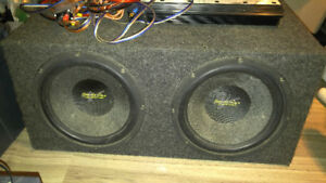 Car sound system-12 inch subs in a sealed box with a 600 w amp