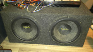 Car sound system-12 inch subs in a sealed box with a 600w amp