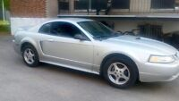 AUBAINE 2000 Mustang Full Equip Très Propre Very Clean!!!!!