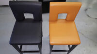 4 CONDO BAR STOOLS KITCHEN COUNTER HEIGHT 2 DIFFERENT COLORS