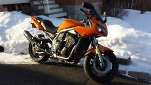 Yamaha FZ1 2005 1000cc NEGOTIABLE 4000$