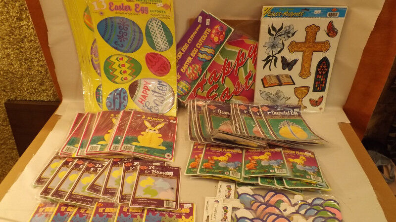 Vtg 89 pc Beistle Easter Decoration Lot Honeycomb,Tissue Paper, Die-Cuts NOS