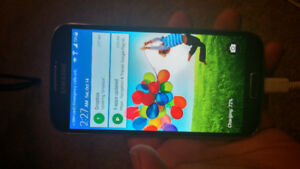 Selling Samsung s4 works great !