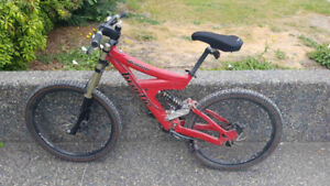Downhill Mountain Bike Mens (willing to trade)