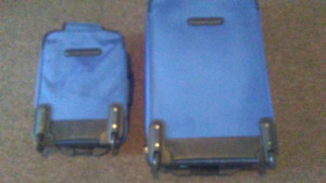 Tracker matching suitcases