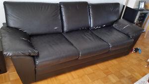Sofa 3 places en cuir noir West Island Greater Montréal image 2
