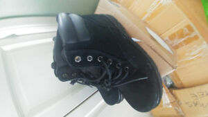 BOOTS LIKE NEW 2 GO