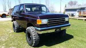 """1987 Ford Bronco XLT 4x4. Lifted w/36"""" super swampers"""