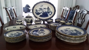 Lovely Blue & White complete 47 piece Old Willow China