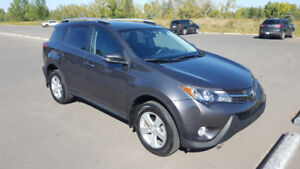 2014 RAV4 XLE AWD Remote Start Low Kms! Warranty available