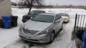 Hyundai sonata fresh safety LOW KM 8000$ obo