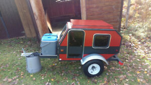 TRADES WELCOME TRIKE TRAILER. NEW