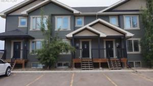 Townhouse-Sask Side-3 Bedroom-Availble Dec1