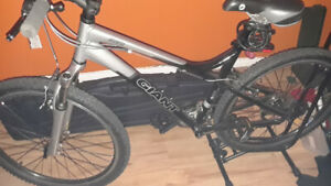 "Velo Giant 26""  comme neuf !!  ** Faite une offre !!**"