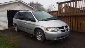 2003 Dodge Grand Caravan Sport with DVD