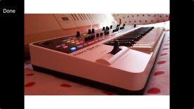 Roland Gaia Synthesiser Studio master keyboard