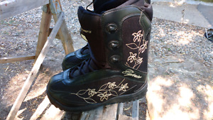 Firefly DC womens snowboard boots brand new