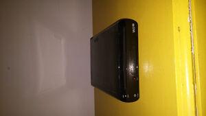 Wii u 32 go - 4 jeux - 4 manettes - très bonne condition