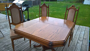 OAK TABLE WITH 5 CHAIRS Peterborough Peterborough Area image 2