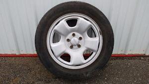 Quatre pneus 4-saisons 195/60R15