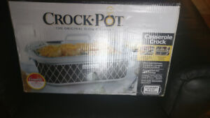 Casserole crock pot new in box
