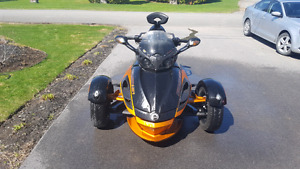 Can am spyder rss 2011 semi- auto