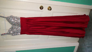 RED GOWN PROM/EVENING DRESS