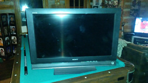 31inch SONY BRAVIA  LCD flat screen tv. (Not projection)